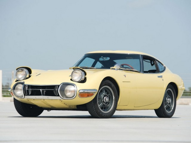 1968 Toyota 2000GT RM Auctions02