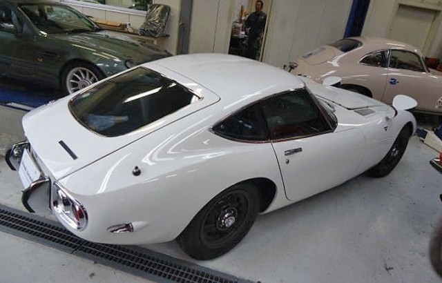 1968 Toyota 2000GT 02