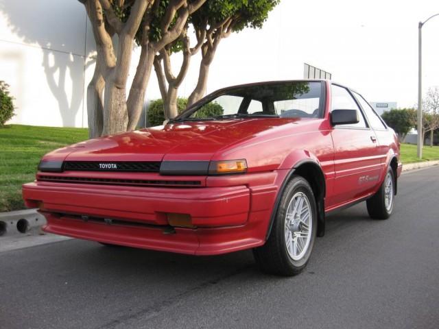 1987 Toyota Corolla GTS AE86 01