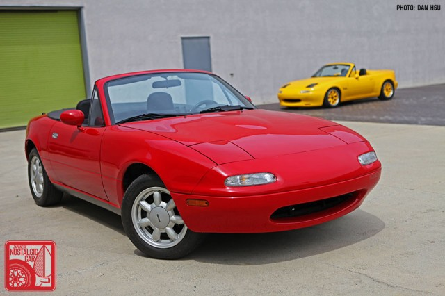 03-6467_Mazda MX5 Miata_Chicago Auto Show 07