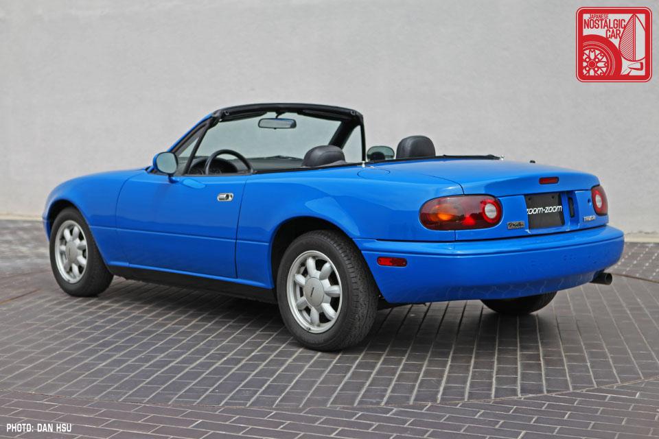 40 6430_Mazda MX5 Miata_Chicago Auto Show Blue 06