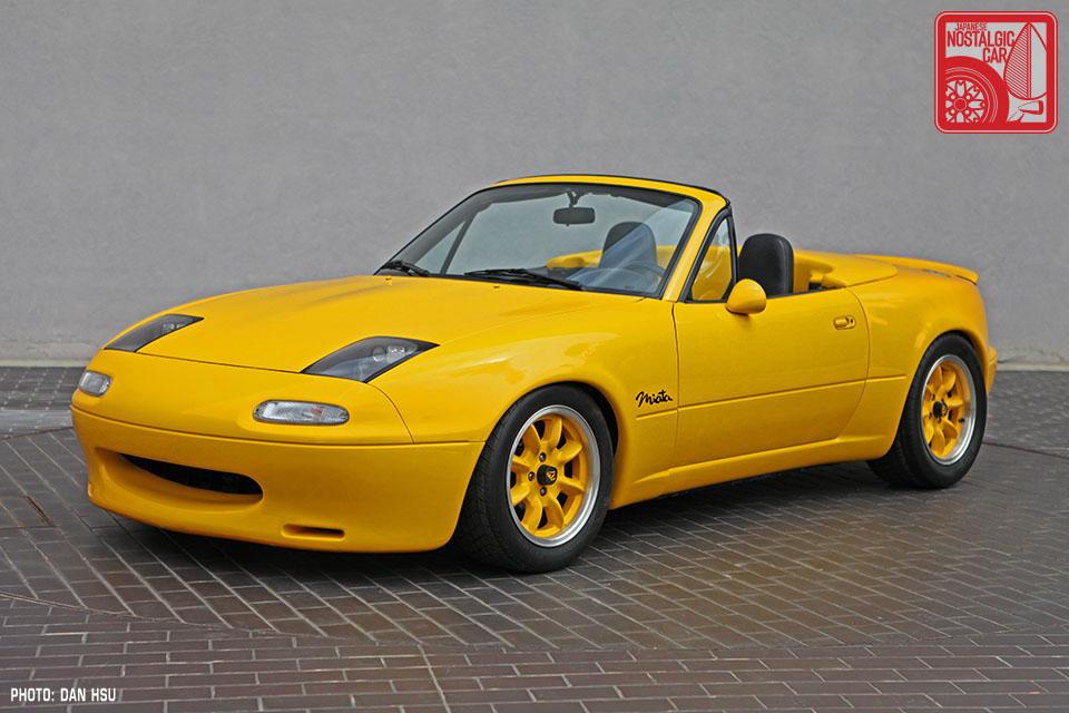 http://japanesenostalgiccar.com/wordpress/wp-content/uploads/2014/04/50-6266_Mazda-MX5-Miata_Chicago-Auto-Show-yellow-Club-Racer-01.jpg