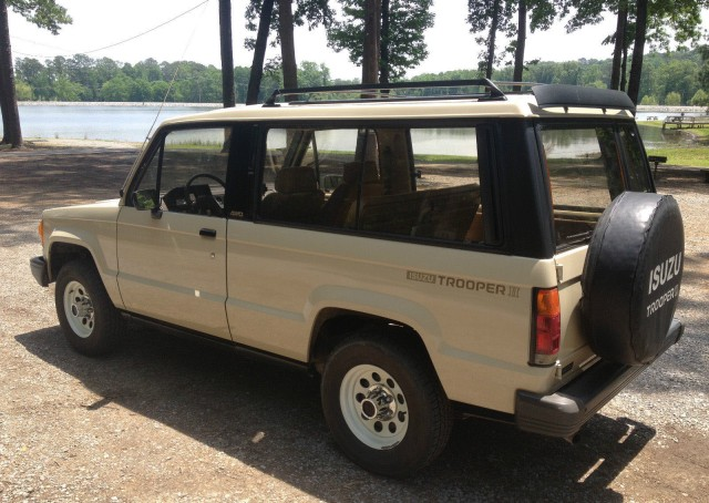1986 Isuzu Trooper 03