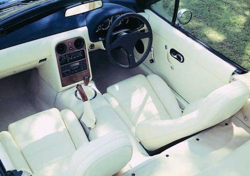 Mazda M2 1002 MX-5 Miata interior