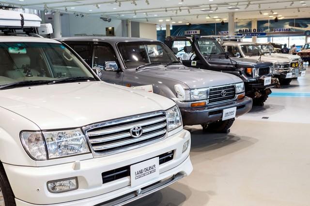 Toyota Land Cruiser Motor Show 01