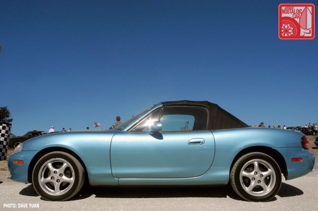 010DY_Mazda MX5 Miata Crystal Blue Metallic