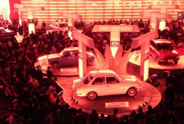 Toyota Corolla 1966 b
