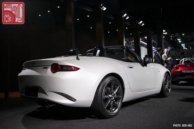 ND 2016 Mazda MX5 Miata white 03