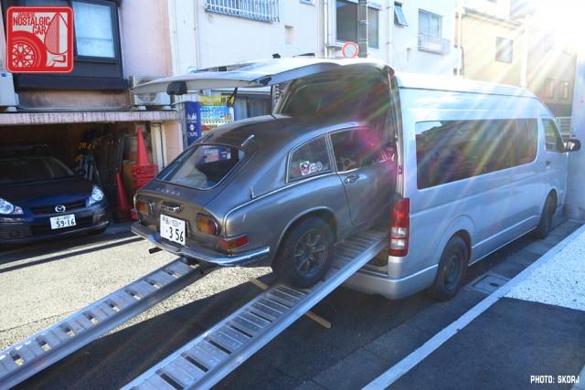 004-2612s_Honda S800 in Toyota Hiace