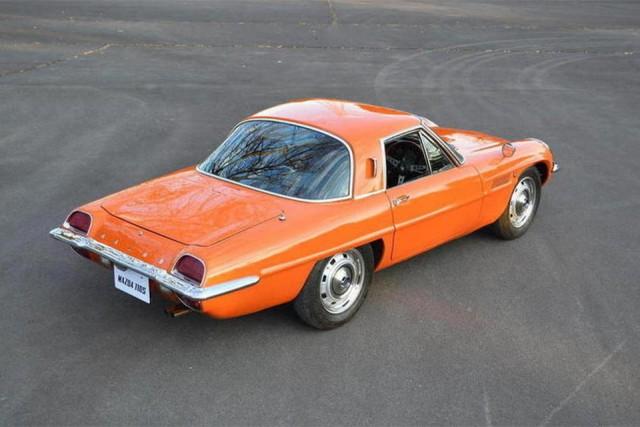 1968 Mazda 110S orange 02
