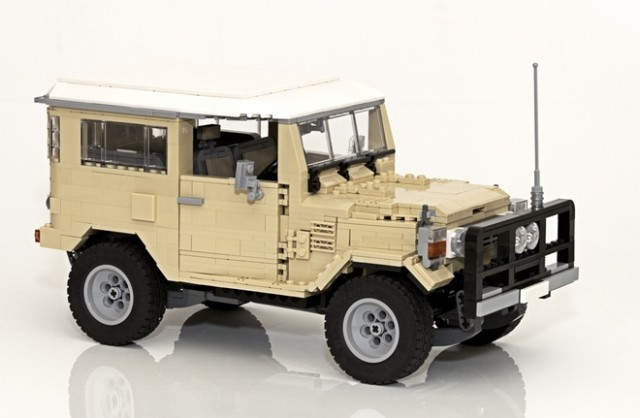 Lego Toyota Land Cruiser 01