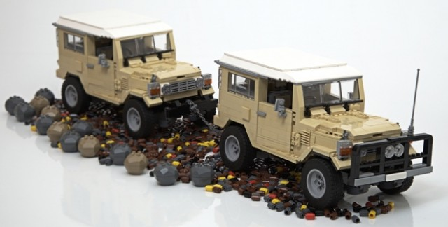 Lego Toyota Land Cruiser 12
