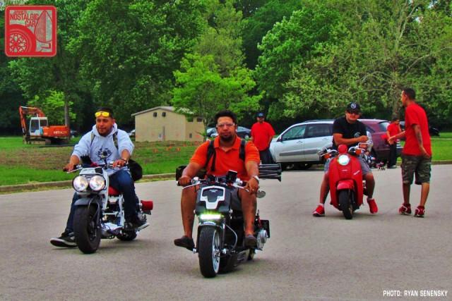 Honda Ruckus and Metropolitans Roll in Team_Nostalgic Chicago