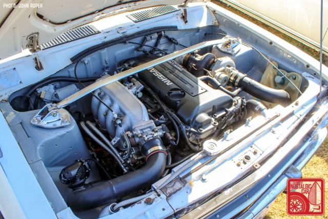 102-JR3910_Datsun1200-NissanSunnyB110 SR20 bay patina