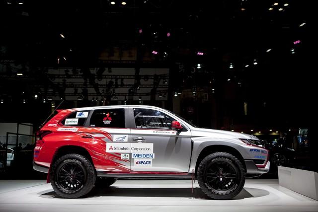 Mitsubishi Outlander PHEV rally 02