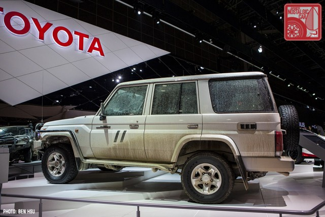 Toyota Land Cruiser 70 01