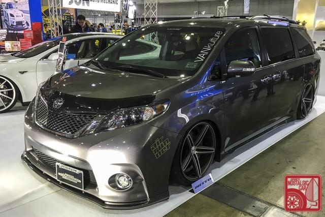 0589_Toyota-Sienna