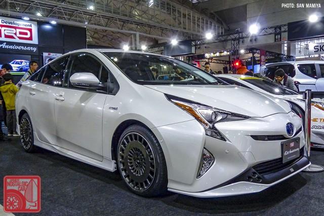 137SM1710953_ToyotaPriusTRD