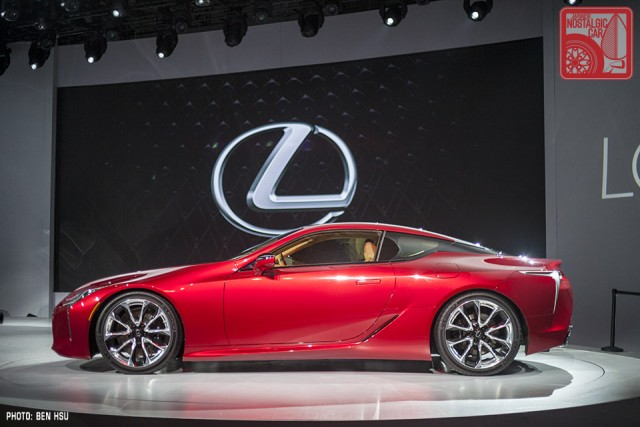 LexusLC500 09