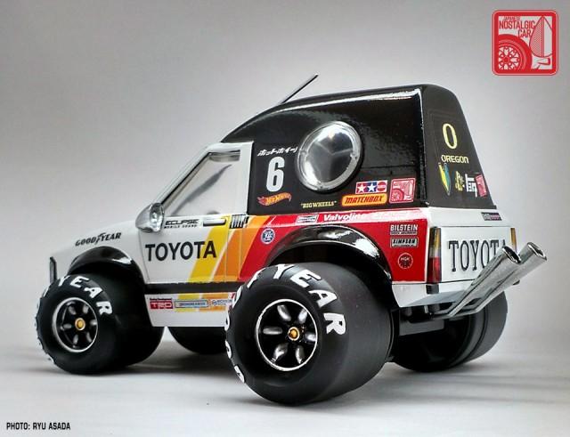 10_Sunny BinBan Toyota Hilux kit by Ryu Asada