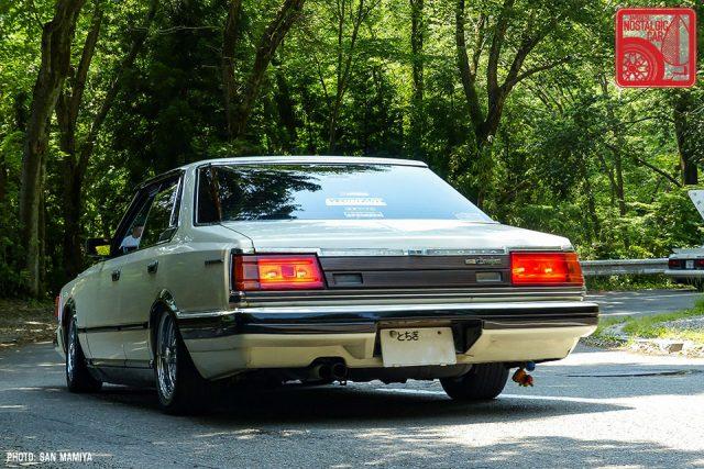 049-1-43_Nissan Gloria 430 HT