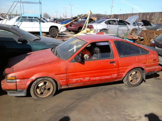 Toyota Corolla GTS AE86 crushed