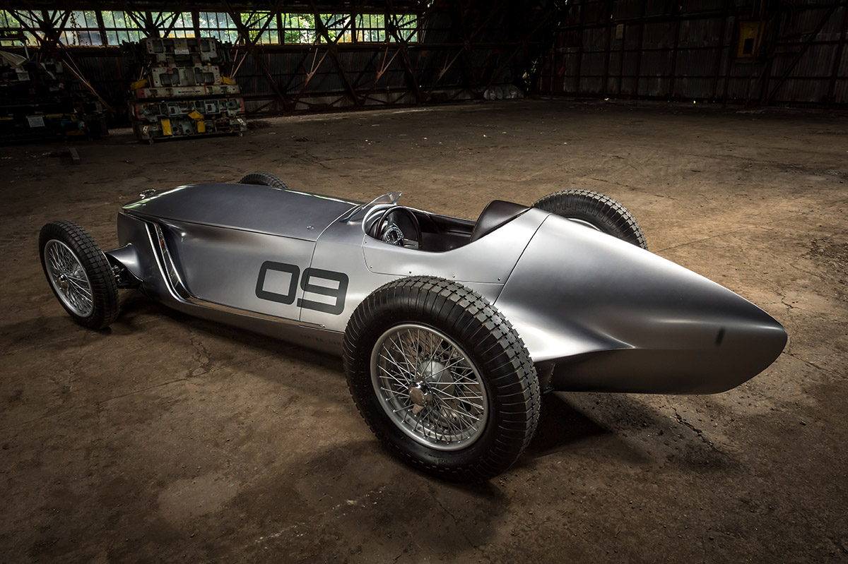 NEWS: Infiniti Prototype 9 envisions a retro racer from the 1940s ...