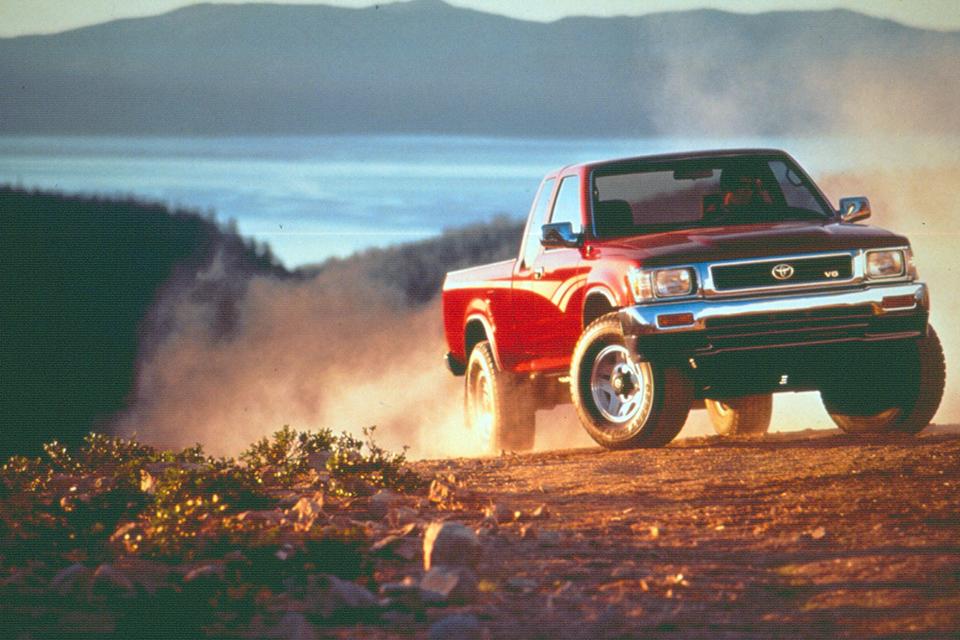 50 YEAR CLUB: Toyota HiLux | Japanese Nostalgic Car