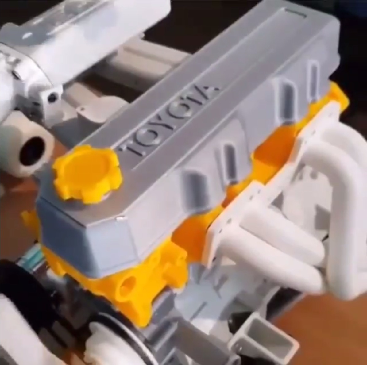 MINICARS: Someone 3D-printed A Working Toyota 22R-E