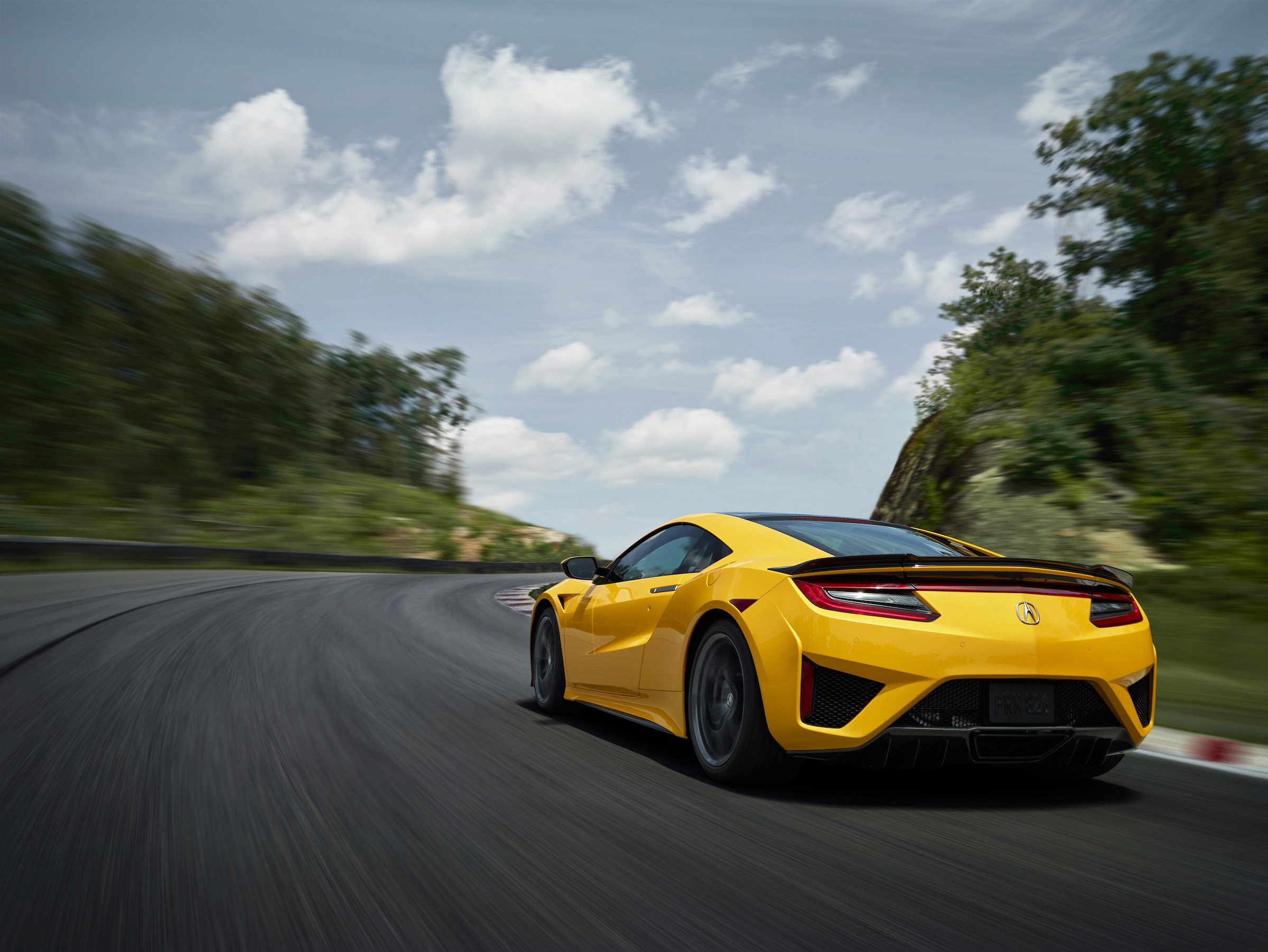 News Acura Brings Back Yellow Heritage Color To The Nsx Japanese Nostalgic Car